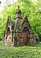 Bremerhaven-Wulsdorf Friedhof Mausoleum Ahlers 01.jpg
