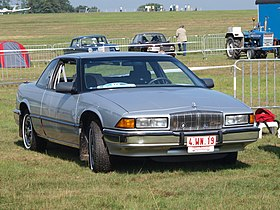 Buick Regal (W-body) gray.jpg