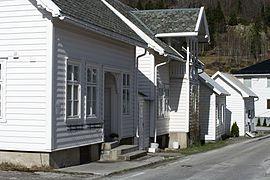 Buildings in Solvorn 2012.jpg