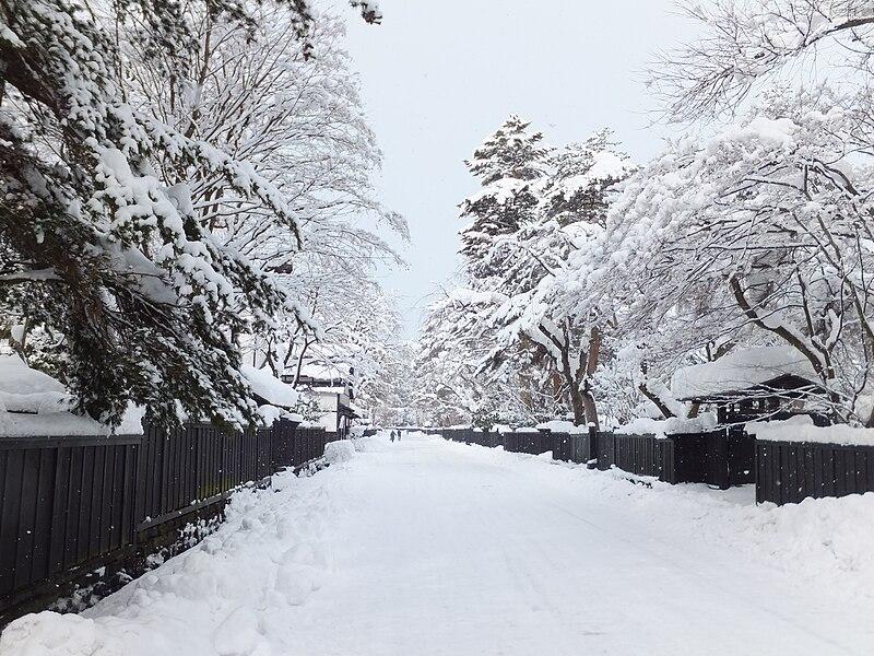 File:Bukeyashiki Street in Kakunodate 20120108a.jpg