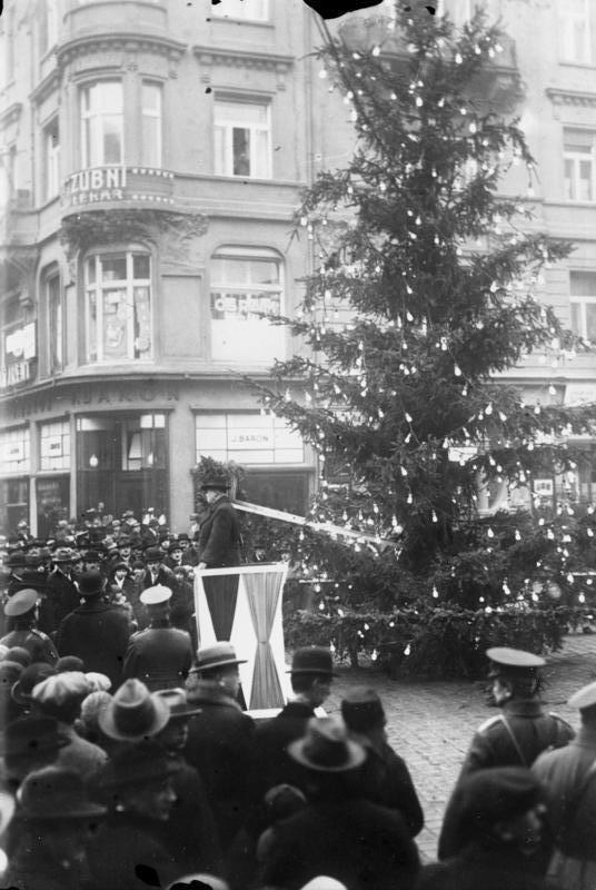 Bundesarchiv Bild 102-12787, Prag, Weihnachtsfeier f%C3%BCr Erwerbslose