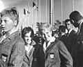 Bundesarchiv Bild 183-C1003-0001-029, Tokio, XVIII. Olympiade, Christiane Lanz, Ingrid Engel-Krämer.jpg