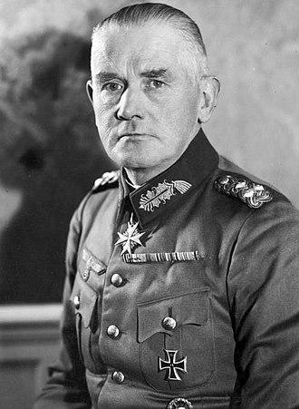 Werner von Blomberg - Image: Bundesarchiv Bild 183 W0402 504, Generaloberst Werner von Blomberg.jpg (cropped)