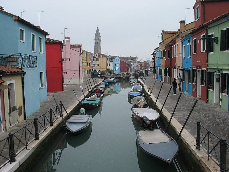 File:Burano venice canal houses.jpg