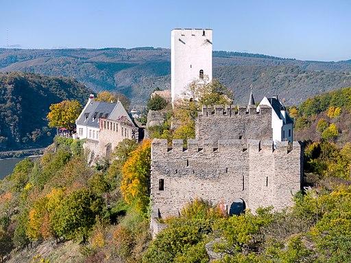 Burg Sterrenberg im Herbst