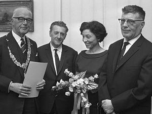 Louis Paul Boon - Image: Burgemeester Kolfschoten, Louis Paul Boon, Hanny Michaelis en Jacques Presser (1967)
