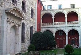Burgos - Museo de Burgos, Casa de Miranda 4.jpg