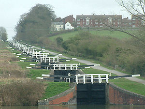Caen Hill Locks.jpg