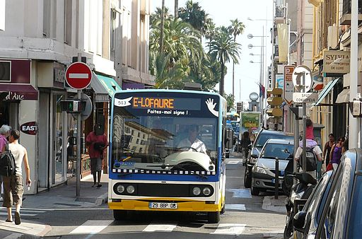 Cannes bus