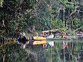 Canoa en el lago Chalalan.jpg