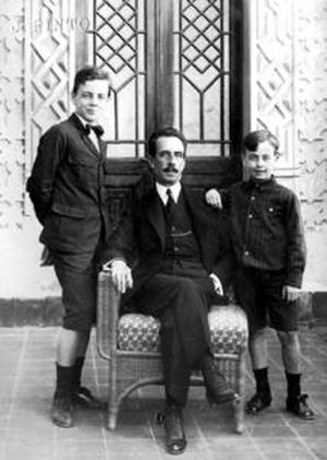Evandro Chagas - Evandro (left) with his father, Carlos Chagas and his brother Carlos Chagas Filho.