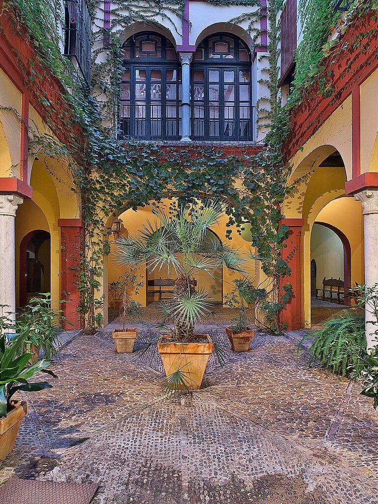 File casa de los pinelo zagu wikimedia commons for Zaguan de casas modernas