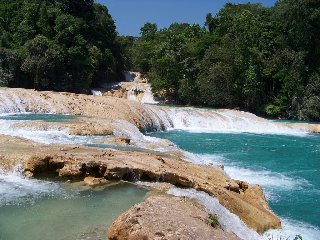 File cascadas de agua azul jpg wikimedia commons for Cascadas de agua