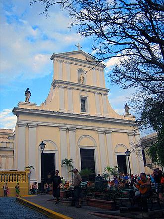 Catedral Metropolitana Basílica de San Juan Bautista (San Juan, Puerto Rico) - Front entrance