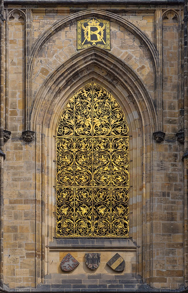 File cathedrale saint guy prague facade sud fenetre grille for Fenetre english