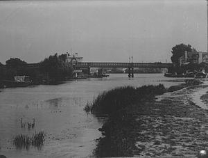 Caversham Bridge - Image: Caversham Bridge, c. 1900