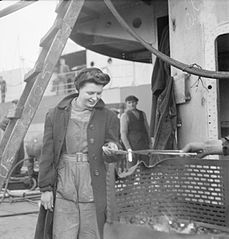 Cecil Beaton Photographs- Tyneside Shipyards, 1943 DB166.jpg