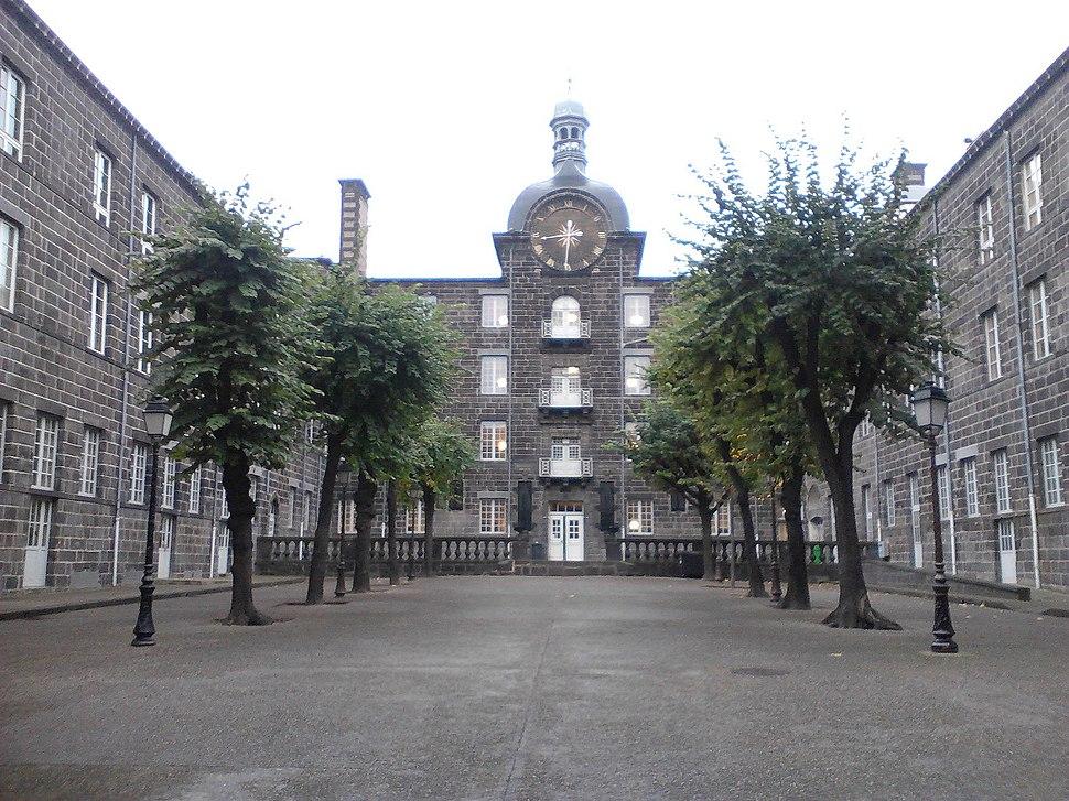 Centre Blaise-Pascal (cour intérieure) - Clermont-Ferrand
