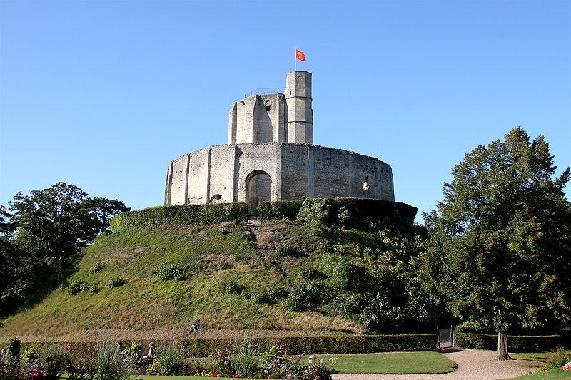 File:Chateau-de-Gisors.jpg