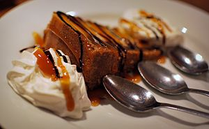 Cheesecake with caramel sauce.
