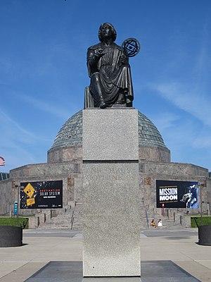 Nicolaus Copernicus Monument (Chicago) - The monument in 2015