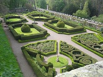 Chillingham Castle - Image: Chillingham Castle Garden
