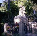 Chopins Grave October 1978.jpg