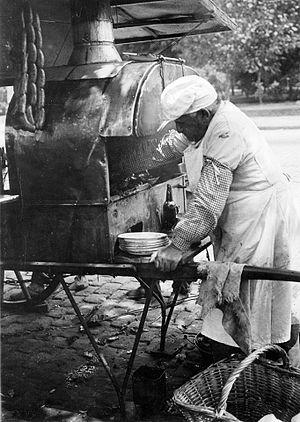 Choripán - A choripán street vendor in 1925