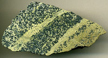 Chromitic serpentinite Styria Province, Austria.jpg