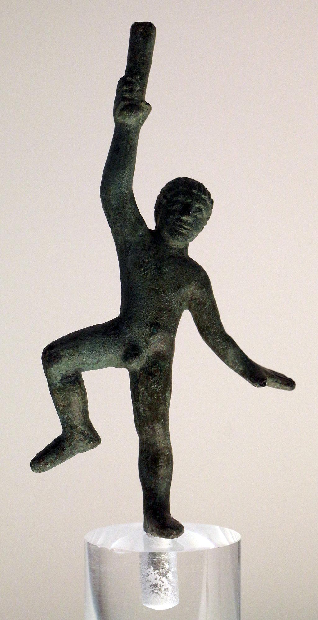 Cimasa di candelabro in bronzo, da vetulonia, 500-390 ac ca. 02