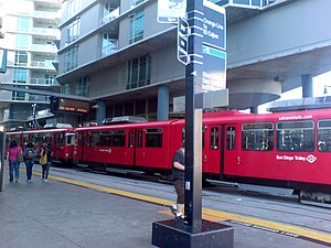 City College station - View of the station. A Siemens Duewag U2 is ready to depart on the Orange Line