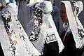 Coiffes de cérémonie de 1980-1920.jpg