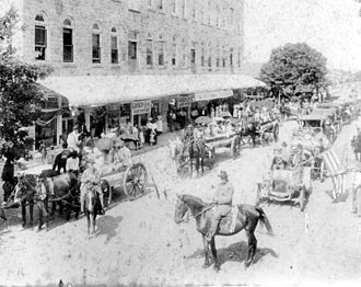 Wauchula, Florida - Confederate Memorial Day parade on Main Street, 1912