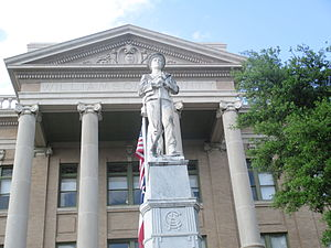 Williamson County, Texas - Confederate statue at Williamson County courthouse