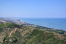Tratto di costa presso Pineto, vista da Silvi paese