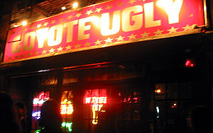 Exrérieur du Coyote Ugly Saloon à New York. Pho...
