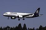 D-AINU A320neo Lufthansa SCQ.jpg