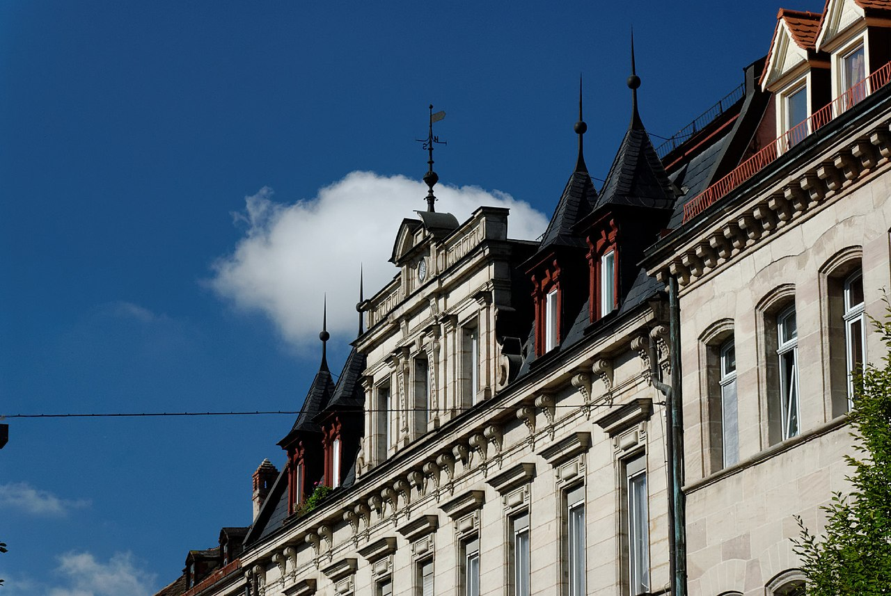 file dach vom haus friedrichstrasse 14 in fuerth von wikimedia commons. Black Bedroom Furniture Sets. Home Design Ideas