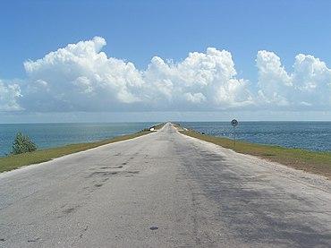 Damm nach Cayo Coco, Kuba, 2004, aufgenommen mit Minolta Dimage Z1