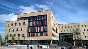 Bradford College - Image: David Hockney Building Bradford Colllege 24 Apr 2017 01