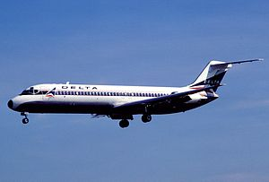 Delta Air Lines Flight 723 - A Delta Air Lines McDonnell Douglas DC-9-30, similar to the one involved.
