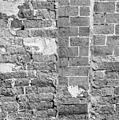 Detail van het pleisterwerk op de west-gevel - Wierum - 20255793 - RCE.jpg