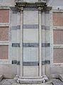 Detall de la façana de Santa Maria della Spina, Pisa.JPG