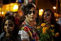 Day of the Dead celebrants, Mission District, San Francisco