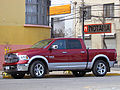 Dodge Ram 1500 Hemi Laramie Crew Cab 2014 (15210432130).jpg