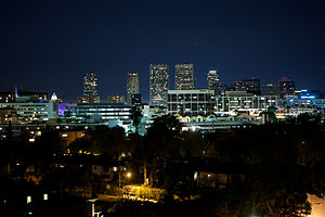 English: Downtown Beverly Hills as seen at night.