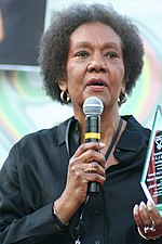 Dr. Frances Cress Welsing receives Community Award at National Black LUV Festival in WDC on 21 September 2008.jpg