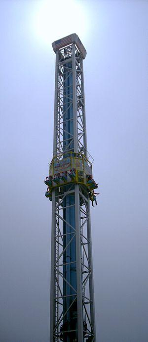 "Drop tower - A drop tower at the Santa Cruz Beach Boardwalk entitled the ""Double Shot"""