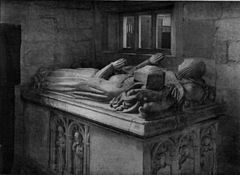 Duffield church Mynors tomb.jpg