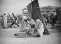 ETH-BIB-Marrakech- Beim Friseur, im Schatten aufgehängter Matten-Tschadseeflug 1930-31-LBS MH02-08-0315.tif